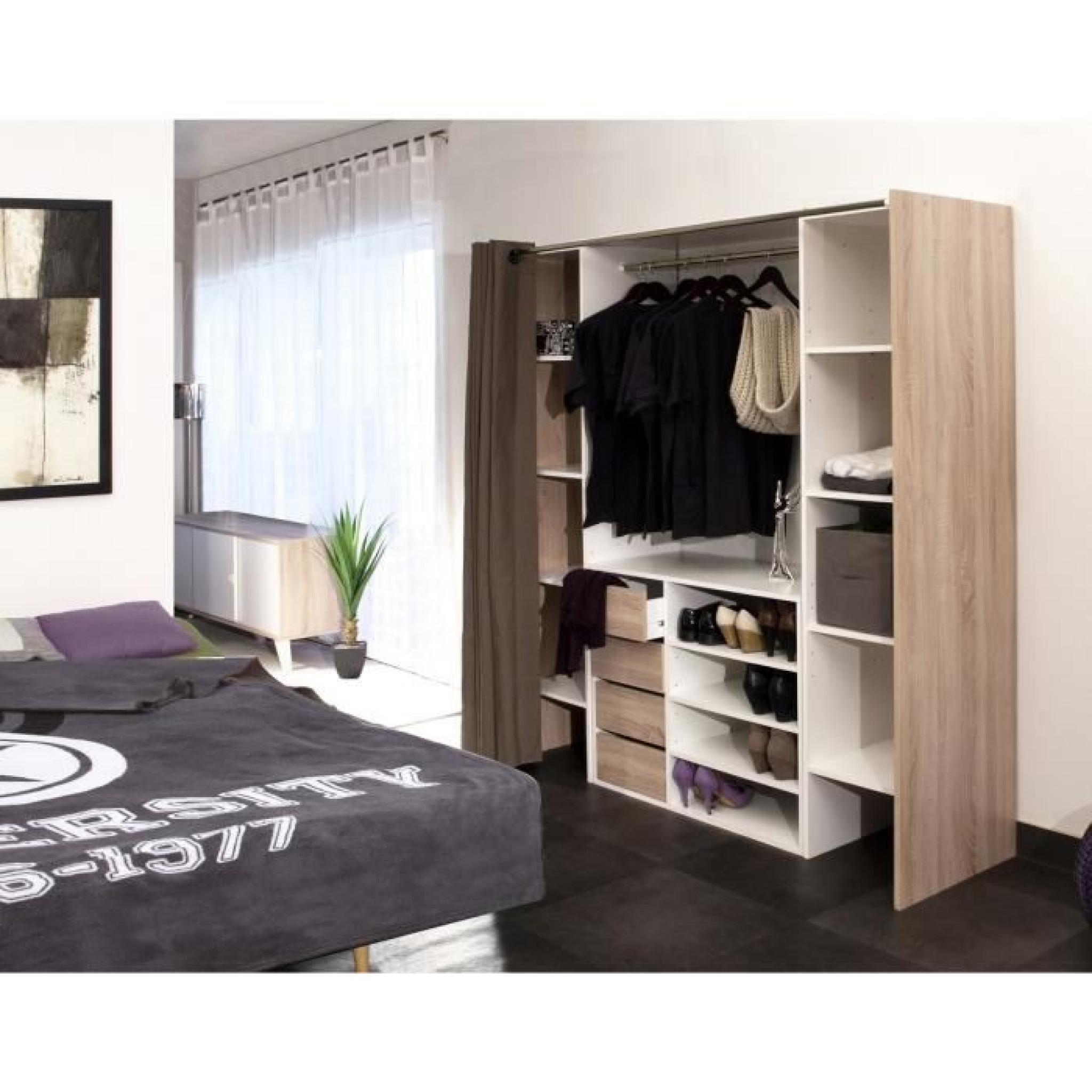 dressing ferm par un rideau rideaux pour dressing avec. Black Bedroom Furniture Sets. Home Design Ideas