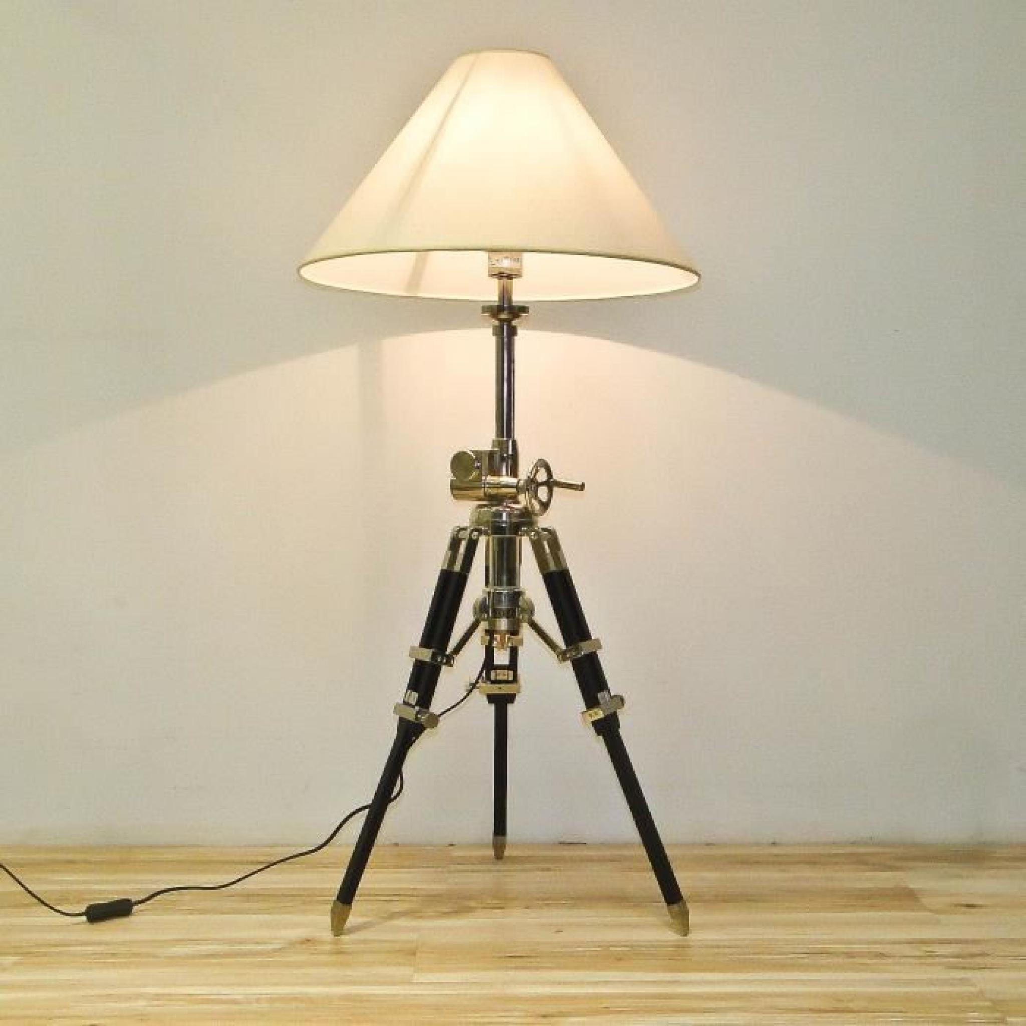 lampadaire tripode chrom e bois marine achat vente lampadaire pas cher couleur et. Black Bedroom Furniture Sets. Home Design Ideas