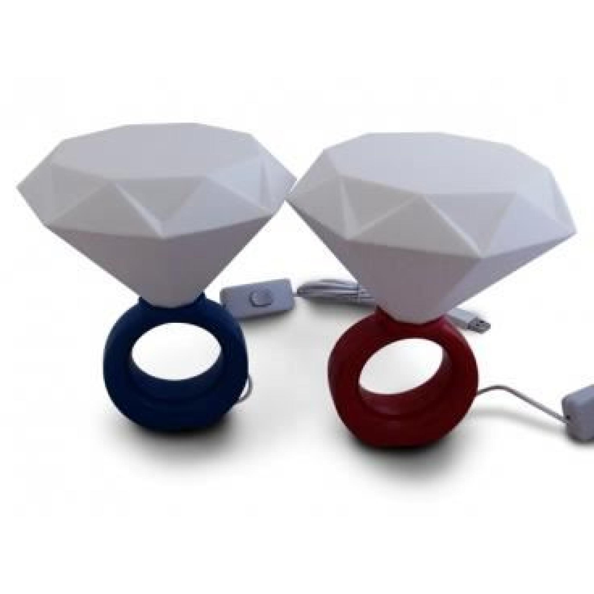Lampe exceptionnelle la forme d 39 une bague led au faux for Lampe au dessus d une table