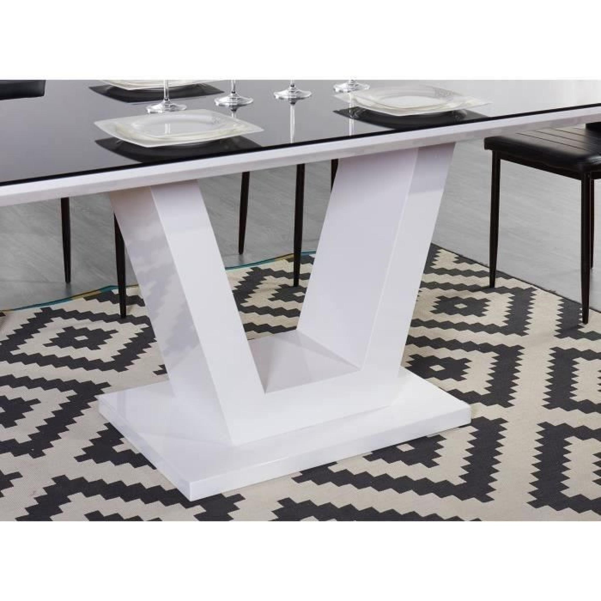 Salle a manger noir blanc for Table a manger blanc